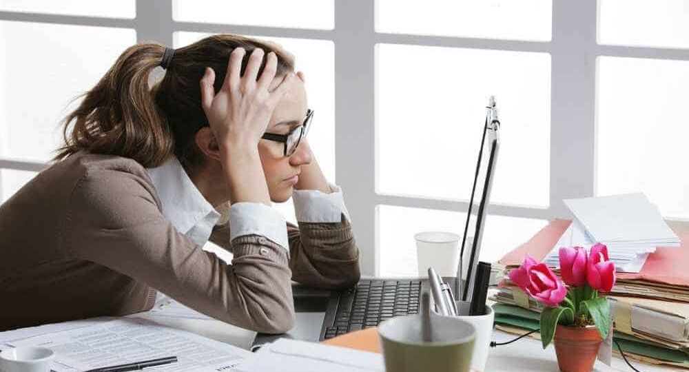 young-business-woman-stressed-at-work